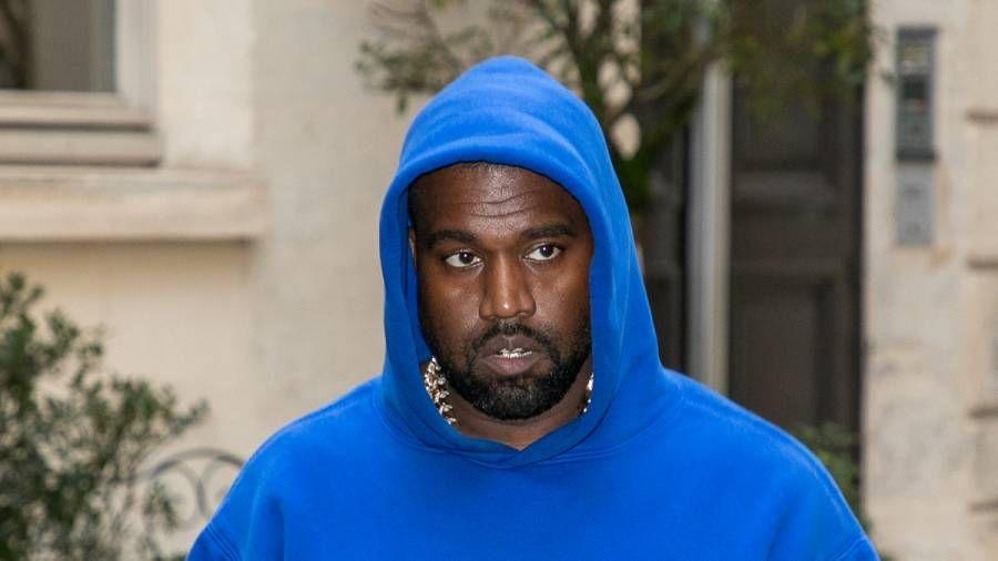 Kanye West & Walmart im Streit um das Markenlogo eingeschlossen