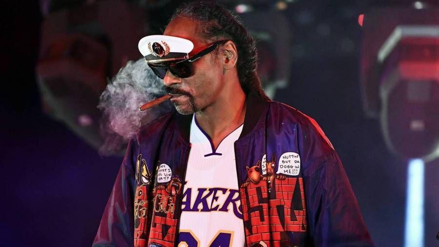 Snoop Dogg trenger en Jamie Foxx-skuespiller for å skildre ham i en biografi
