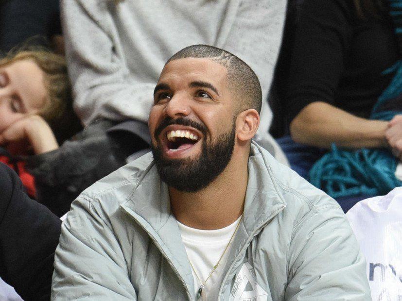 'VIEWS' Drake hefur frumraun með meira en 1 milljón plötusölu