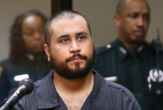 George Zimmerman beschuldigt Trayvon Martins Eltern, als seine Waffe versteigert wird