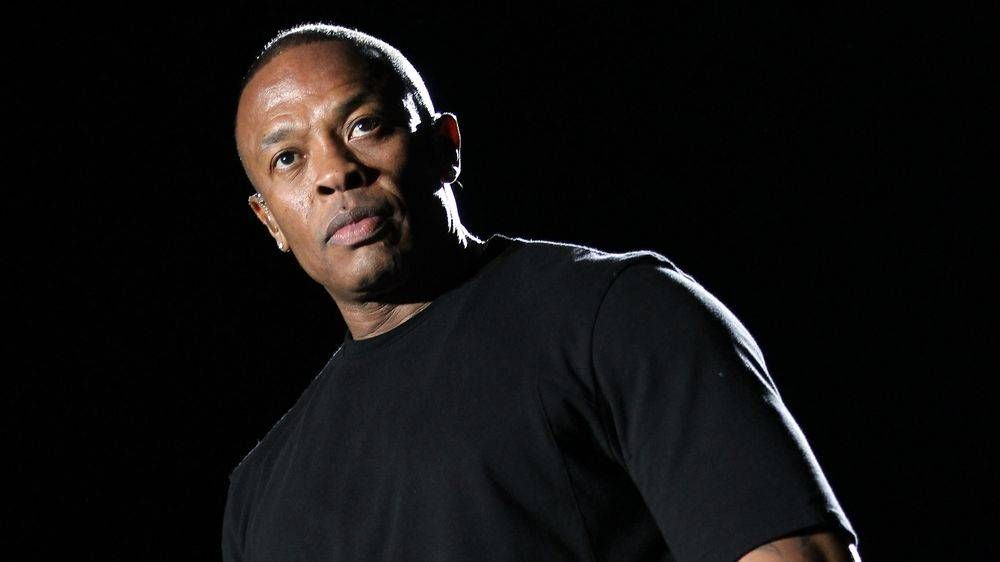 Доктор Дре - бұл $ Hrt, E-40, Snoop Dogg & Ice Cube альбомының жалғыз ерекшелігі