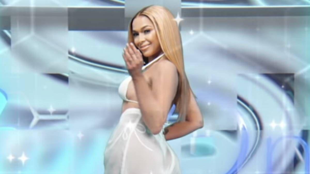 Prinzessin Nokia ist eine Hommage an J. Lo beim Major-Label-Video-Debüt 'Es ist nicht meine Schuld'.