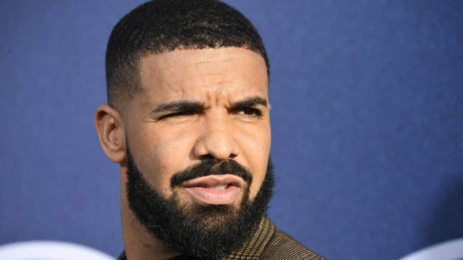 Drake auf Twitter für Justin Bieber-inspirierten Haarschnitt zerstört - dann beugt er sich mit Yachtfoto auf alle
