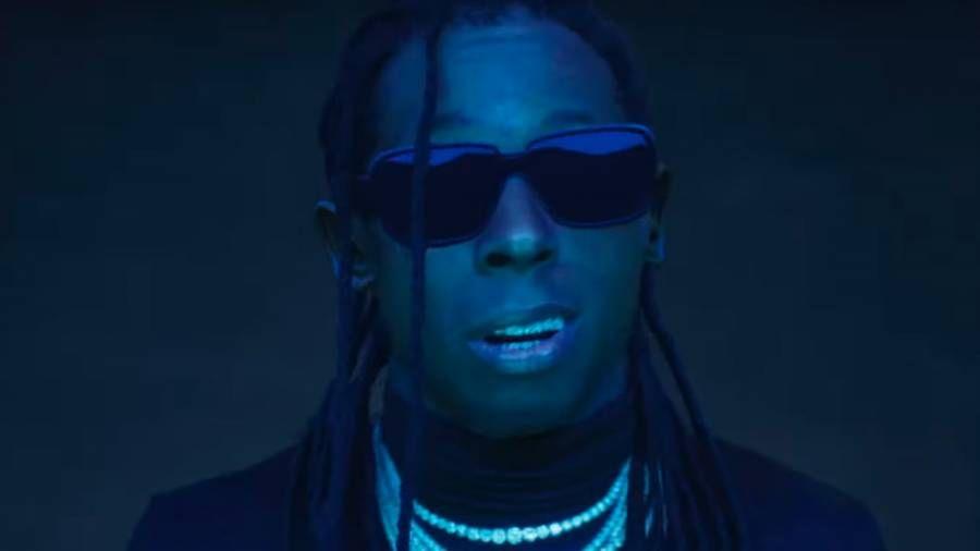 Lil Wayne tar fans genom sin hårutvecklingsresa i 'Big Worm' -video