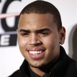 """Chrisas Brownas paskelbė """"F.A.M.E."""" Ekskursijų datos, taip pat yra Kelly Rowland ir """"T-Pain"""""""