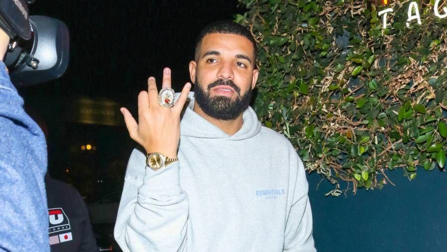 Drakes neue Eulenkette besteht aus 342 Diamanten und 18 Karat massivem Roségold