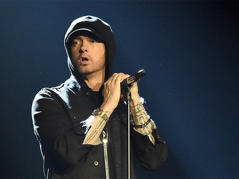 Eminem snakker 1. Dr. Dre Impression & Nesten 'shitting' seg selv møte LL Cool J
