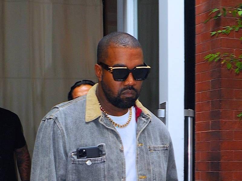 Kanye West sier at Gud helbredet sin pornoavhengighet