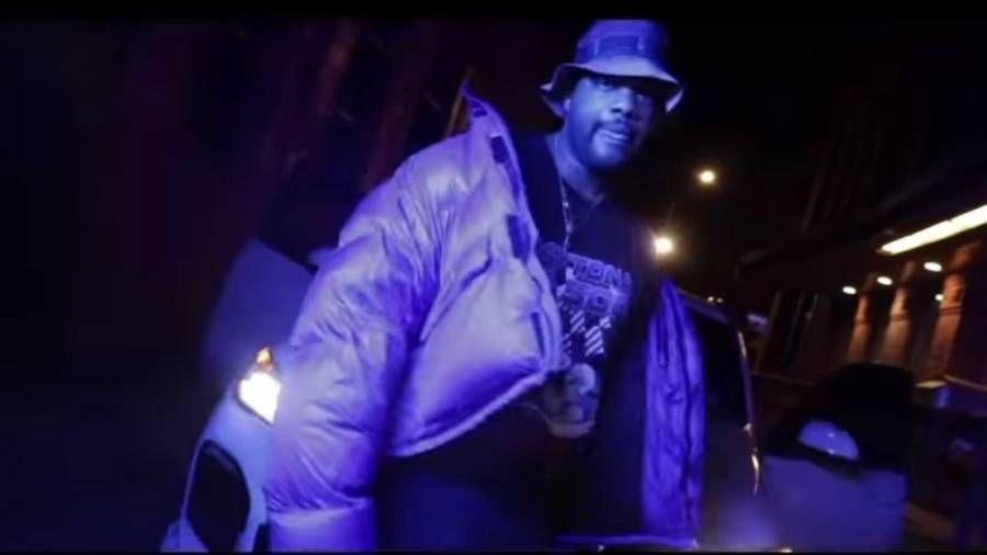 Der New Yorker Rapper Daytona verwandelt Ghostface, Raekwon & Cappadonnas 'Ironman' -Klassiker in ein vollwertiges Modestatement