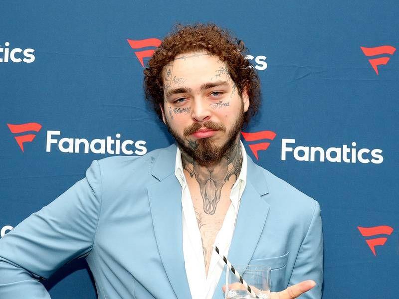 Post Malone sur l'insécurité et les tatouages faciaux: `` Je suis un enfoiré laid '