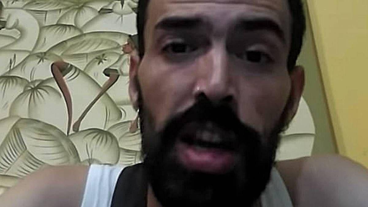 Der spanische Rapper hackt angeblich den Penis des Mitbewohners für Social Media Clout ab
