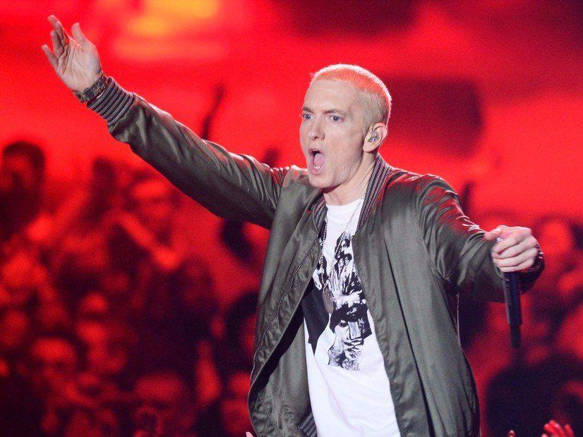 Eminem merkt sich seine Social Media 'Profilfotos' - einschließlich Grindr