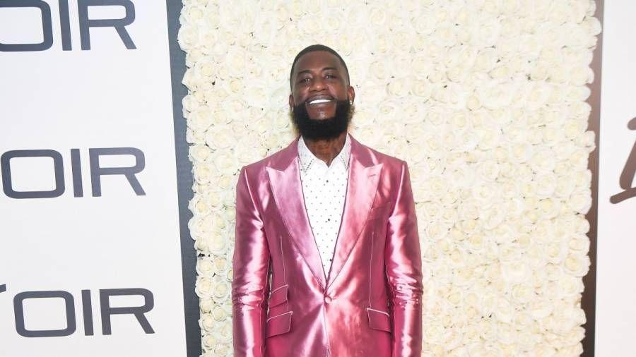 Gucci Mane lässt 250.000 US-Dollar-Bänder auf neue Diamantzähne fallen