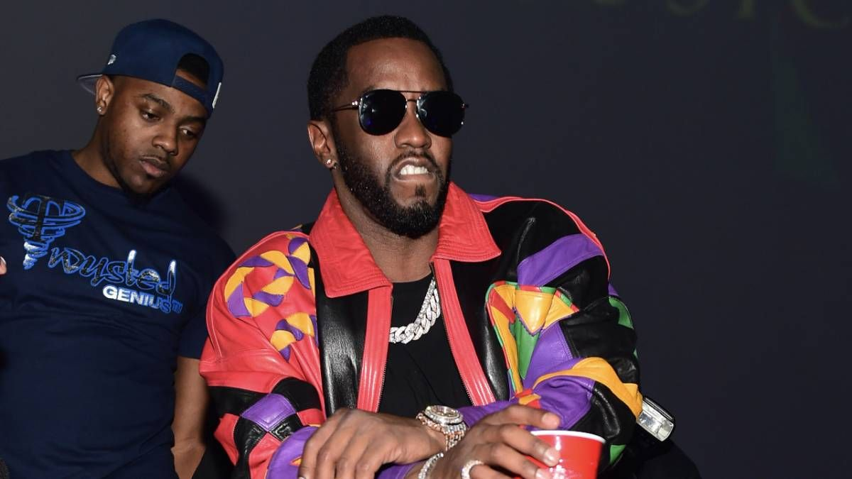 Diddy Sparks Up pour «Fuck It Friday» en frappant Bob Marley: «Fuck All The Negativity & Anxiety»