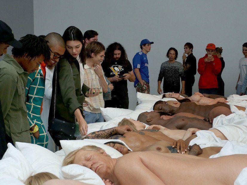 Möchten Sie die berühmte Skulptur von Kanye West kaufen? Schade