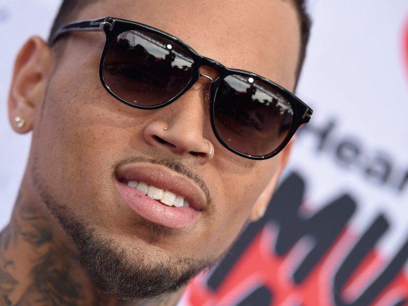 Chris Brown kunngjør hjertesorg på et fullmåne-album