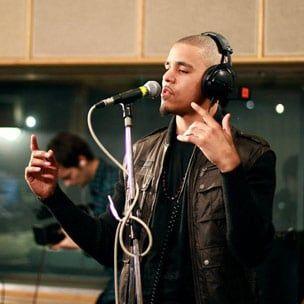 J. Cole spricht über die Serie 'Any Given Sunday' und wartet immer noch auf Jay-Z Verse für das Debüt