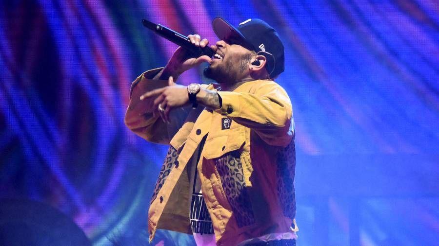 Chris Brown eksploderer på Instagram over kunstneriet: 'I Decided to Drop My Nutts!'