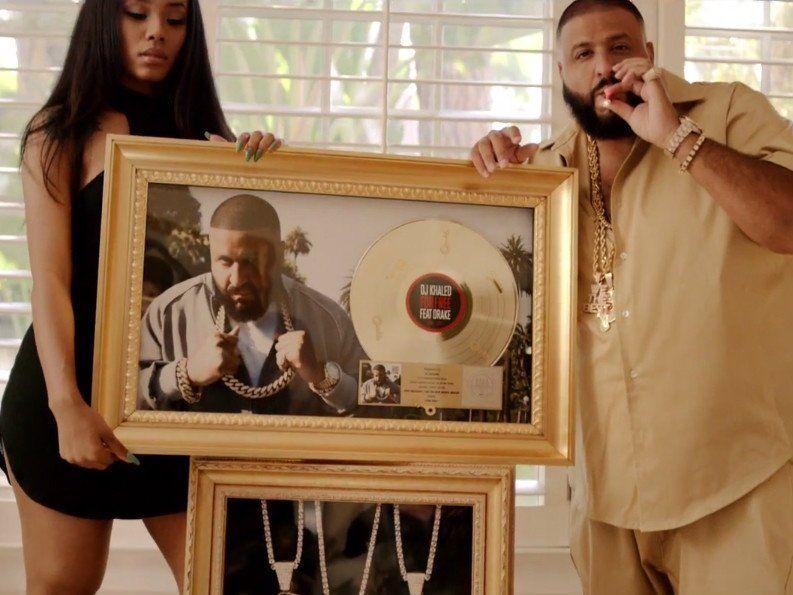 DJ Khaled braucht seine Frau und Kandypens in 'Do You Mind' -Visuals