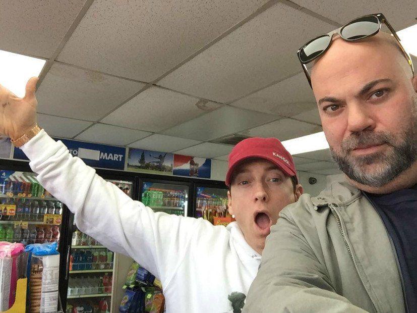 Bedeutet das 7-Eleven Instagram-Foto von Eminem & Paul Rosenberg neue Musik?