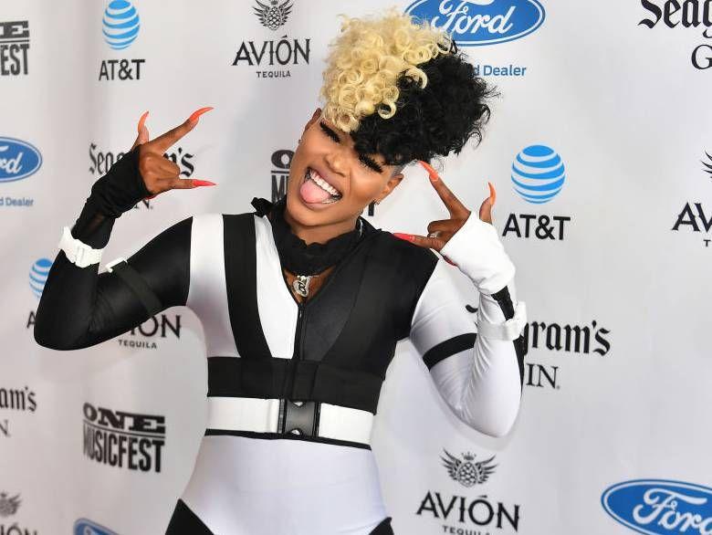Interview: Le rappeur Londynn B. parle d'être finaliste sur `` Rhythm + Flow '' de Netflix