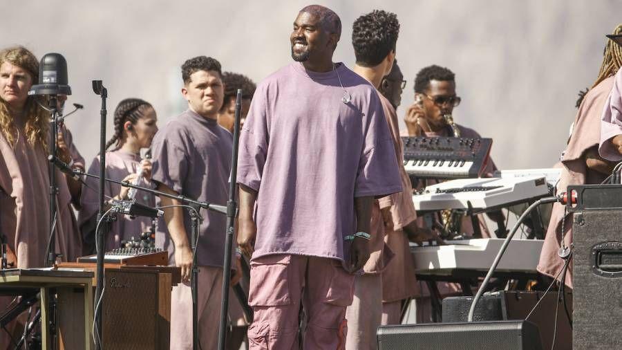 Kanye West steht Berichten zufolge vor einer Klage in Höhe von 30 Millionen US-Dollar von fast 1.000 Mitgliedern des Sonntagsgottesdienstes