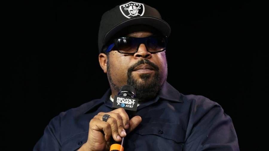 Ice Cube blir forfulgt på Twitter etter at han er beskyldt for å være Trump-supporter