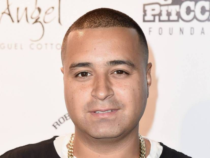 Le DJ Camilo de Hot 97 fait don de plus de 10 000 pizzas aux hôpitaux locaux et reçoit le salut de Fat Joe & Fabolous