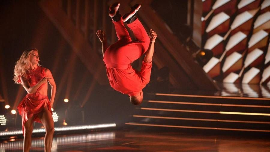 Nelly Nails A 'Ride Wit Me' Backflip در 'Dancing With The Stars