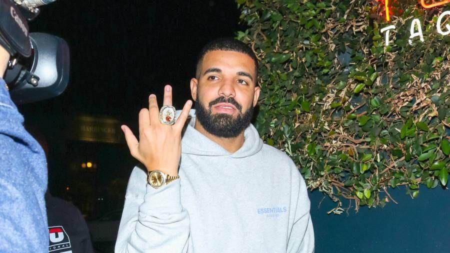 Drake og 'Everyday Struggle' er programleder for Wayno Trade Shots på Instagram: 'Ur A Nerd