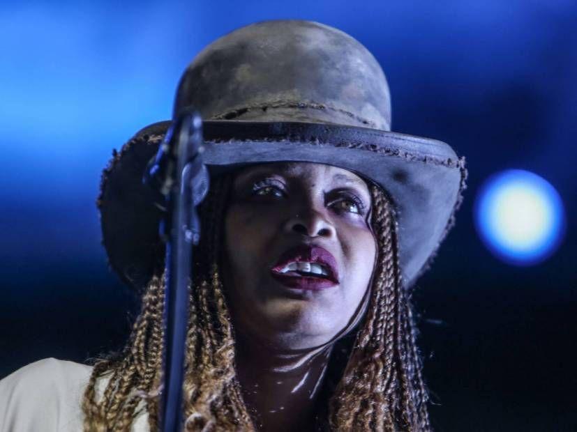 Erykah Badu avslører at hun har kjempet mot Ricky Smileys mor i mange år
