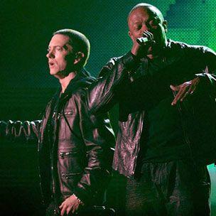 Eminem et le Dr Dre expliquent la vidéo `` J'ai besoin d'un médecin '