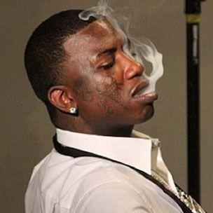 Gucci-Mähne wegen Waffen- und Drogenkosten zu 183 Tagen Haft verurteilt