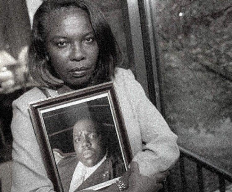 Voletta Wallace sait que Puff Daddy et Suge Knight étaient responsables du meurtre de Biggie, affirme le détective à la retraite du LAPD Greg Kading