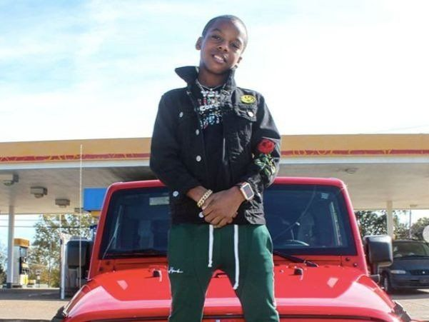 12-årig rapper Corey J står over for felonyafgift for angiveligt at sælge cd'er i Mall