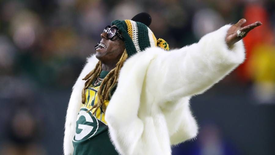 Lil Wayne Records 2. Wiz Khalifa-Sampling Green Bay Packers NFL Anthem 10 år senere