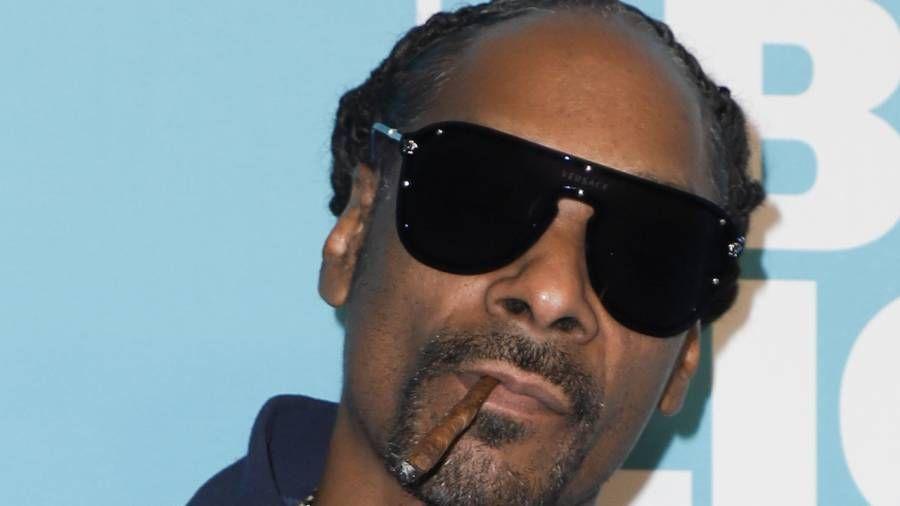 Snoop Dogg appelle 'Zeus' 'Soft Ass Shit' d'Eminem après que Slim Shady ait cassé la chanson