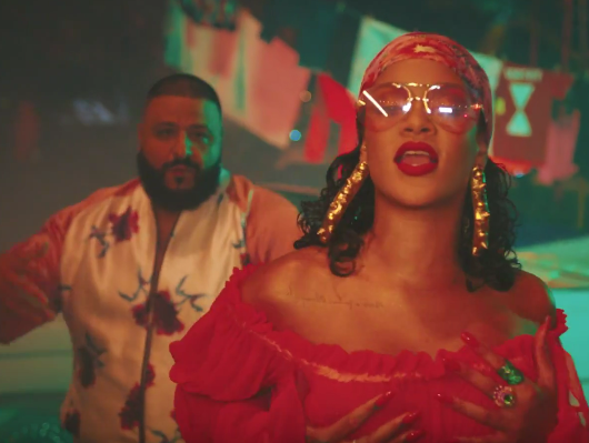 """""""Hip Hop Single Sales"""": DJ Khaledo """"Rihanna & Bryson Tiller"""" kuriamos """"laukinės mintys"""" debiutuoja Nr. 1"""