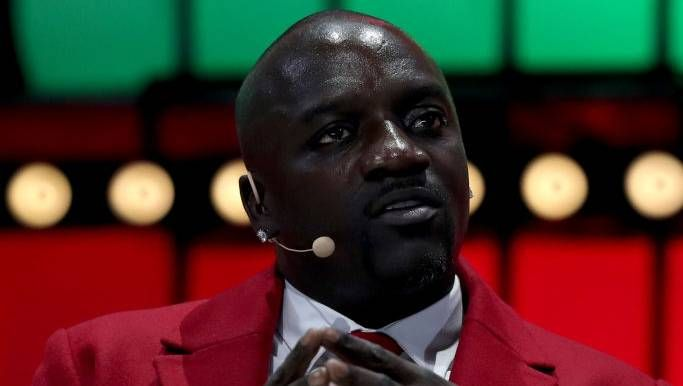 Tekashi 6ix9ine Mocks Meek Mill & YG Mens Akon blir slaktet på Twitter for 'Locked Up' Remix