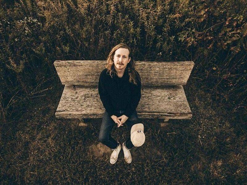 Asher Roth återvänder med albumet 'Blommor på helgen