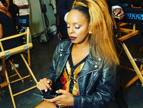 Rah Digga setzt Twitter in Brand, indem er sagt, Safaree habe Nicki Minajs Text geschrieben