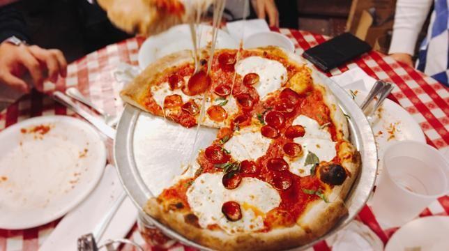 Једимо наш пут кроз најбоље кришке пице у Њујорку