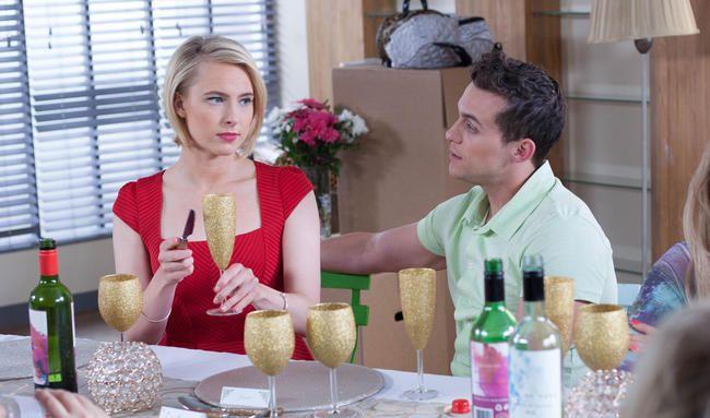Hollyoaks spoilere: Darcy foreslår til Jesse, mandag den 7. - fredag den 11. august
