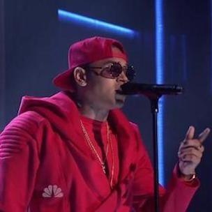 Chris Brown - 'X' və 'Loyal' (Jimmy Fallon'da Canlı)