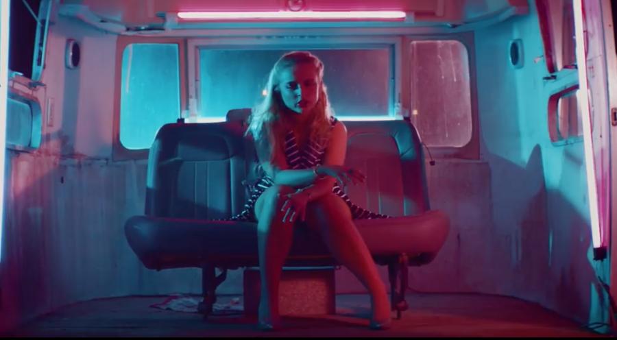Mackenzie Nicole recrute Tech N9ne pour 'Actin Like You Know